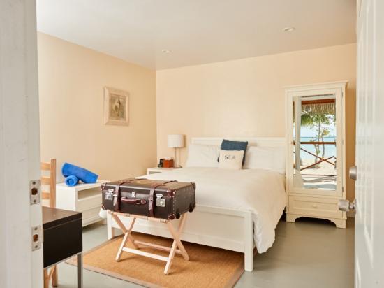 Andros: sun set Room, Queen Bed