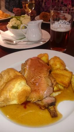 The Coach and Horses: Roast beef and Hook Norton beer - delicious!