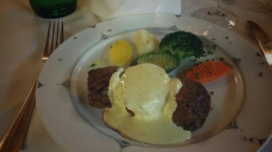 Sport Hotel Steakhouse: very good steaks