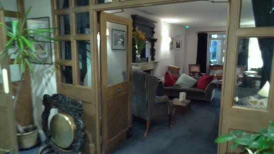 Bradford-on-Avon, UK: One of the lounge areas