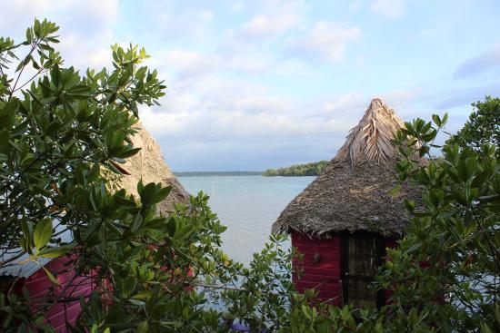Isla Popa, Panamá: Vue depuis le balcon aux hamacs