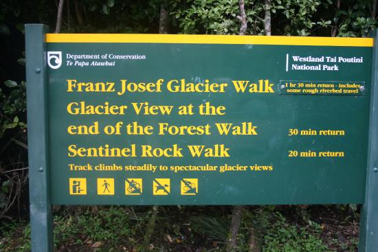 Franz Josef, New Zealand: Glacier direction signs
