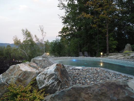 bassin d 39 eau chaude picture of spa eastman eastman. Black Bedroom Furniture Sets. Home Design Ideas