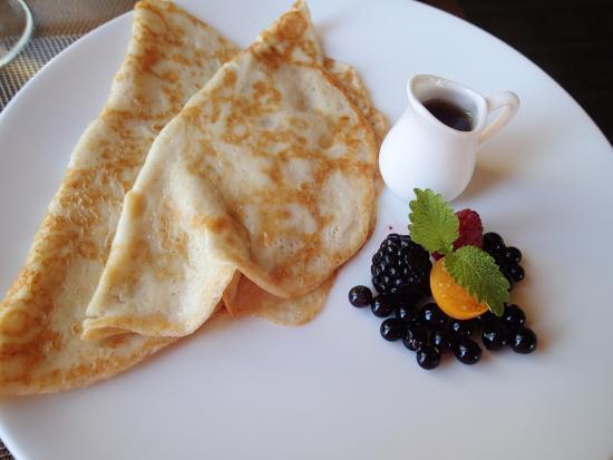 Eastman, Canadá: Un plat au petit déjeuner... en plus du buffet. Une cuisine saine et délicieuse.
