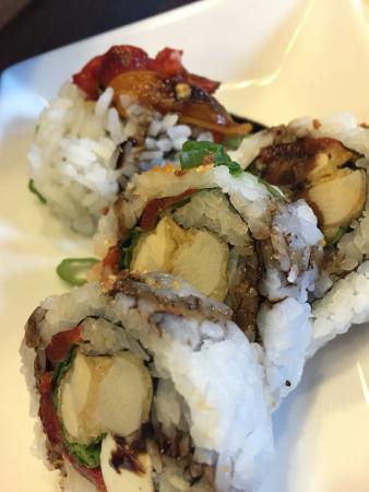 Mamasake : Italo Veggie // roasted bell peppers, basil, tempura hearts of palm, caramelized garlic, green o