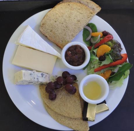 Glencoe Cafe: Cheese platter