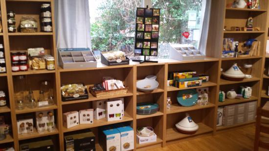 Glencoe Cafe: Retail