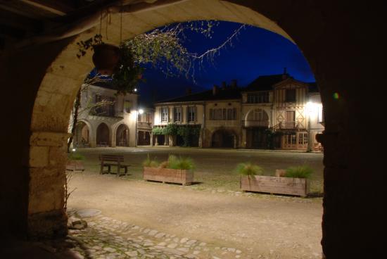 Labastide-d'Armagnac, Francja: Plaza Real