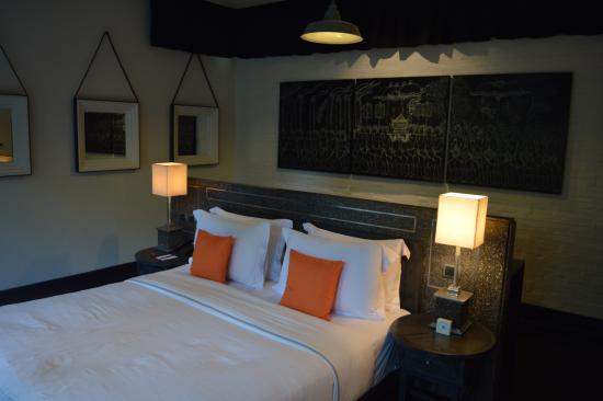 Bedroom (Large desk area behind bed)