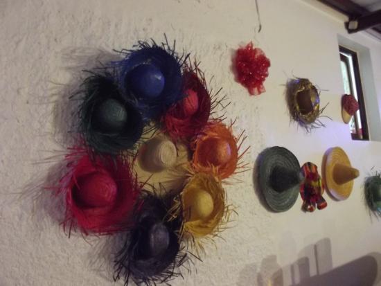 Marie-Galante, Guadeloupe: des chapeaux par dizaines