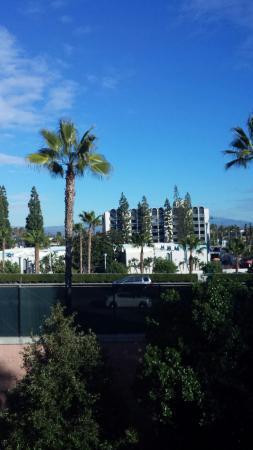 Howard Johnson Anaheim Hotel and Water Playground: 20160202_152626(0)_large.jpg