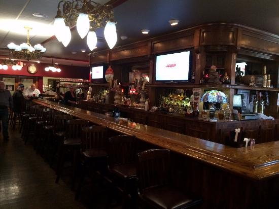 Farmington Hills, MI: bar