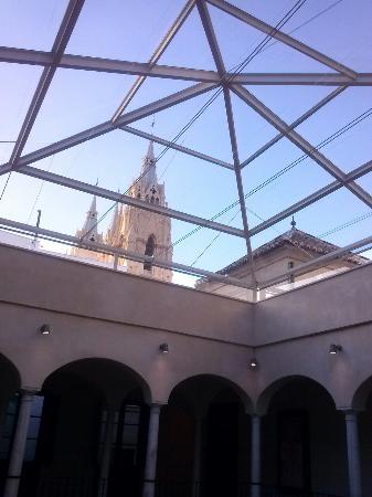 Sacred Heart Church (Sagrado Corazon): Torres desde el Thyssen