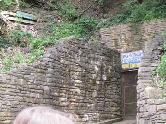 Hannibal, MO: The entrance