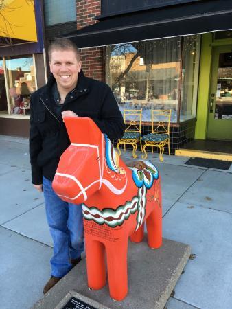 Lindsborg, KS: Red dala horse.