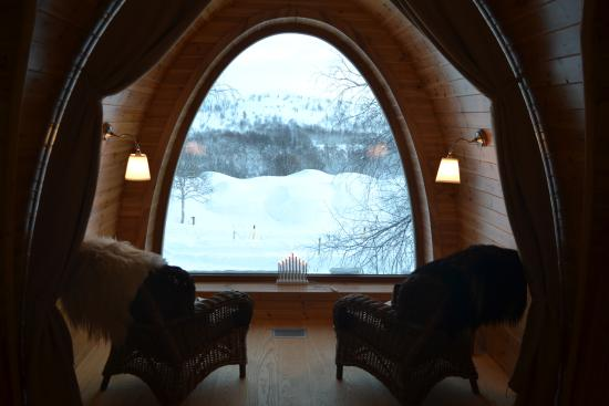 Snowhotel Kirkenes: Seating area in cabin