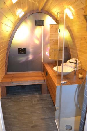 Snowhotel Kirkenes: Cabin bathroom