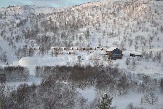 Snowhotel Kirkenes: View of the grounds