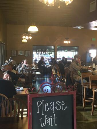 Murrieta, CA: View into the restaurant from the entrance