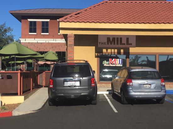 Murrieta, CA: Located in a strip mall on the corner