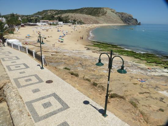 Luz, Portugal : Strandpromenade und Strand