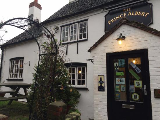 Henley-on-Thames, UK: Quaint little English Pub
