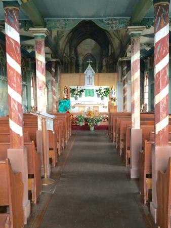 Honaunau, Hawái: Painted church interior