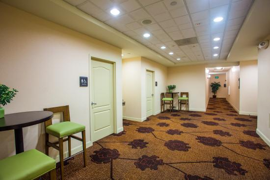 Hilton Garden Inn Providence Airport/Warwick: Pre-function Meeting Area