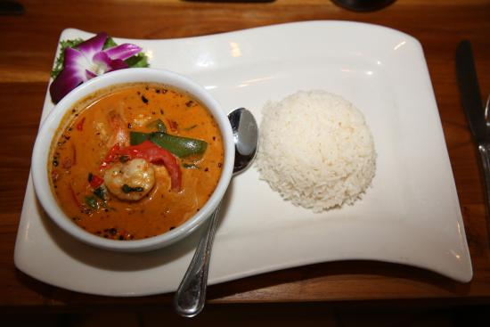 Норт-Майами, Флорида: North MIAMI Beach. Rest. Oishi Thai. Kaeng Pet Kung (Crevettes au curry rouge).