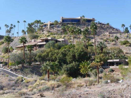 Cathedral City, Kalifornia: View of some of the homes along the trail