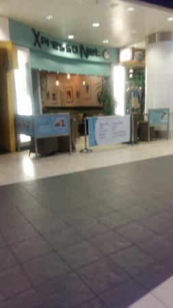 Xscape: Internet cafe
