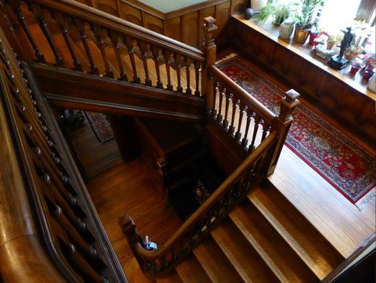 Brookline, MA: Stairway and landing