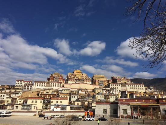 Condado de Shangri-La, China: สวยมาก แรงศรัทธาเต็มเปี่ยม