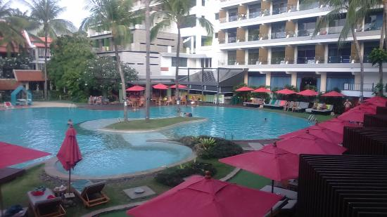 Patong Beach Hotel Photo