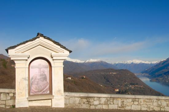 Madonna del Sasso, Italia: Vista lago