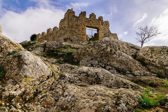 Tolfa, Italia: Rocca dei frangipane