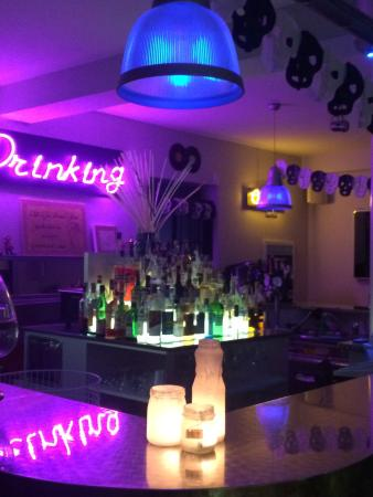 Drinking American Bar