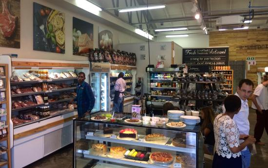 Bryanston, África do Sul: browse, eat,play