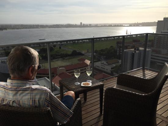Fraser Suites Perth: Balkonblick