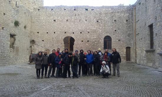 Gruppo di Silene nel cortile a tela di ragno del Castello di Caccamo
