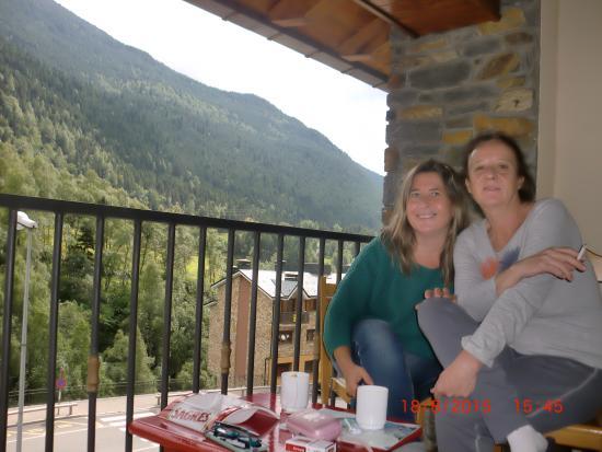 L'aldosa, Andorra: tomando el cafe/te después de comer.