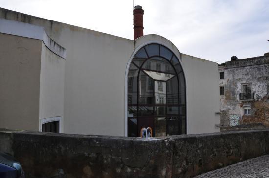 Museu do Trabalho Michel Giacometti: Side view.