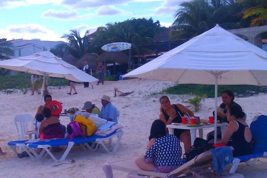 4d9404f46287 la playita beach sunday afternoon puerto morelos - Picture of La ...