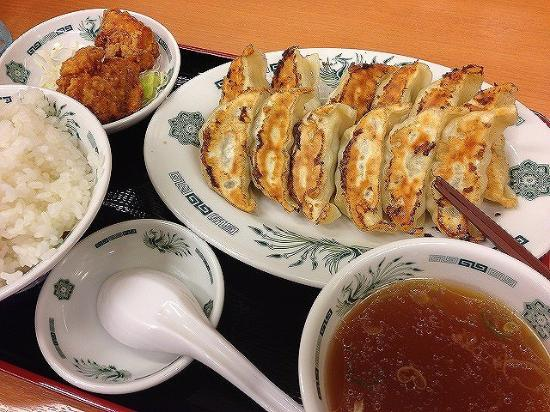 Kumagaya, Japonia: W餃子定食620円