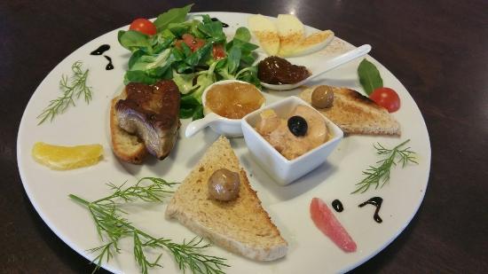 Saint-Pons-de-Thomieres, França: Assiette Gourmande au deux foie gras