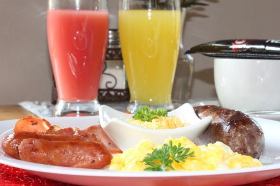 The Swallow's Nest Bed & Breakfast : Breakfast