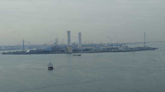 Nagoya Port Building: 南の方向