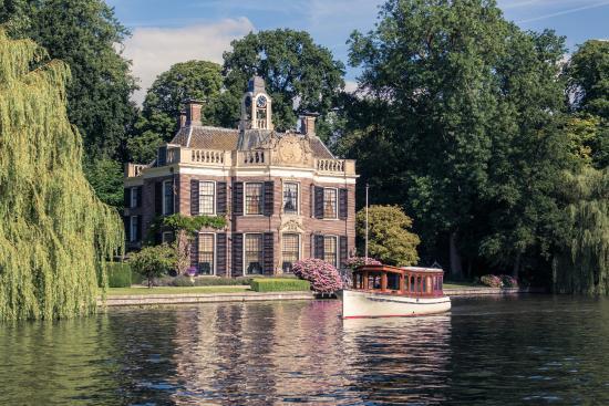 Vreeland, เนเธอร์แลนด์: Uw Salonboot biedt u ook rondvaarten aan over de Vecht en de Loosdrechtse plassen.