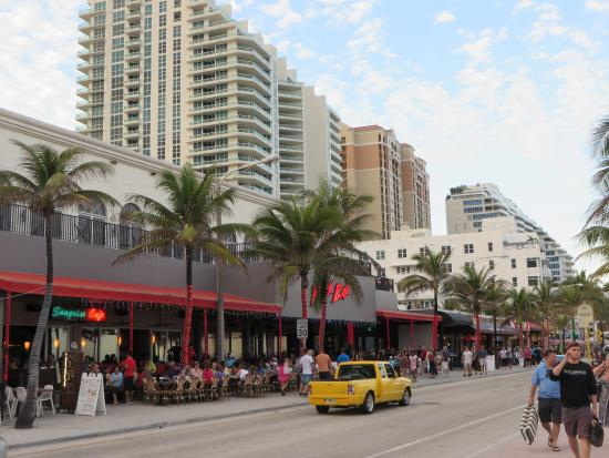 Fort Lauderdale Beach: The strip