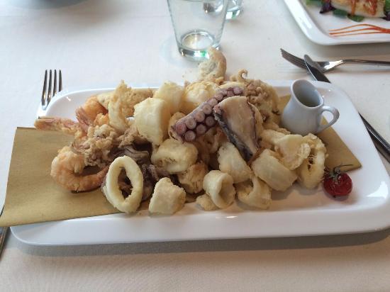 Sarnico, Italie : frittura mista